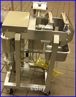 FS-12 Commercial Hydraulic Cold Press Juicer Model 25 like New read for shipping