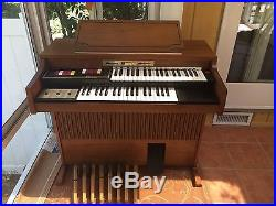 Thomas Organ Model Covertible 130 For Pickup NO SHIPPING Excellent Condition